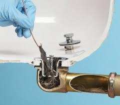 Как самостоятельно устранить засор канализации